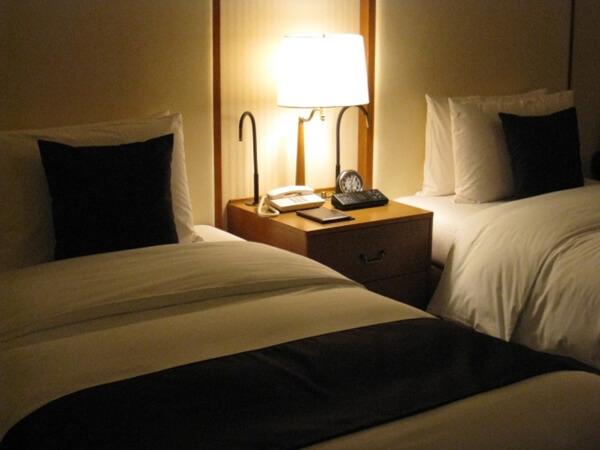 クリスマスのホテルの予約はいつから?東京でカップルに人気のホテル3選!