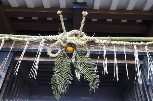 初詣 神社 お寺 どっち